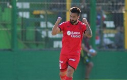Luego de dos goleadas, el Globo volvió a sonreír de la mano del Droopy Gómez.
