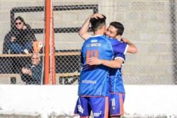 Moreno hizo gala de su efectividad para golear a Dolavon.
