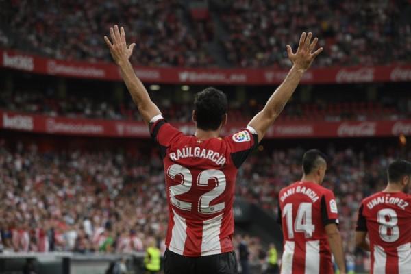 Con goles de García y Muniain, Athletic Bilbao venció 2-0 a Alavés y continúa primero