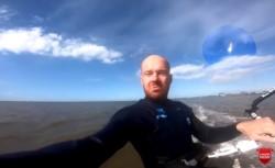 El deportista captó sin saberlo que en su grabación iba a aparecer un meteorito.