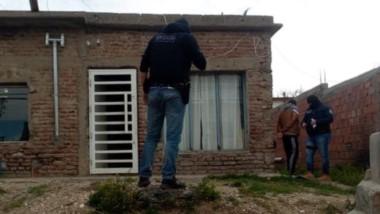 El registro domiciliario se llevó a cabo en una casa ubicada sobre la calle Artigas. Hubo incautaciones.
