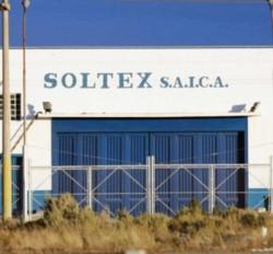 El ingreso a Soltex en el Parque Industrial de Trelew.
