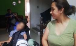El chico fue dado de alta, pero quedó postrado en una silla de ruedas y su cuadro no mejoró, cuenta su madre.