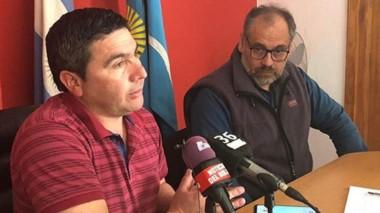 Aclaraciones. El jefe comunal Cárdenas y Prado, el contratista, explicaron que los plazos están vigentes.