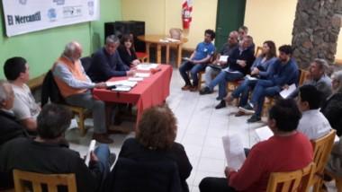 El primer encuentro en la ciudad cordillerana para delinear las líneas de acción ante la crisis.