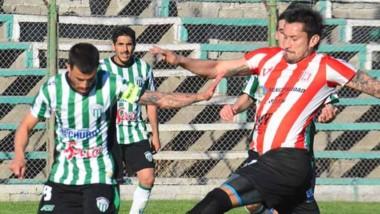 Rodrigo Béliz desperdició una inmejorable oportunidad de empate.