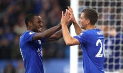 Leicester humilló 5-0 al Newcastle en casa y está tercero detrás del Liverpool y el Manchester City.