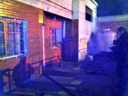El fuego afectó una habitación de la casa donde murió el septuagenario (foto @marcelovidalcr)
