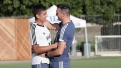 Con Dybala junto al grupo de la Selección, qué equipo probó Scaloni para jugar ante Chile y México.