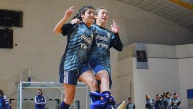 La selección nacional femenina Sub 17 se medirá a su par valletano a partir de las 15:30 horas en Huracán.