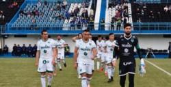 Sarmiento empató sin goles con Almagro y quedó como líder.