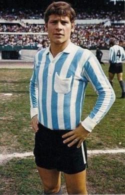 Squeo jugó más de 300 partidos con la camiseta de la Academia y que representó a Argentina en el mundial de 1974.