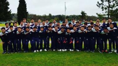 Treinta y nueve jugadores de la CAI viajaron a Buenos Aires, donde jugarán diversos partidos amistosos.