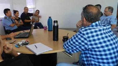 El equipo de fiscales junto a las autoridades policiales mantuvieron una reunión para coordinar el trabajo.