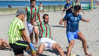 En el Muelle Luis Piedrabuena ,se disputó la 1ra fecha del Fútbol Playa.