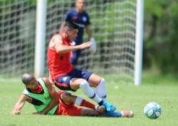 El PT de 30 minutos finalizo con triunfo de los de Boedo por 1-0, con gol de Gino Peruzzi.