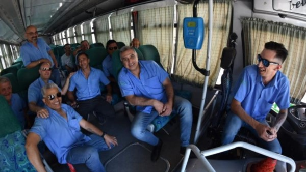 Transporte Bahía S.R.L. de paro en Rawson. Fotos: Daniel Feldman / Jornada