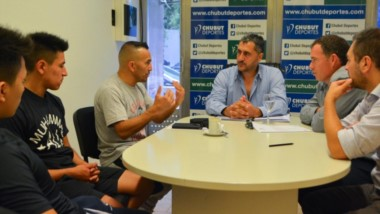 Omar Narváez visitó al presidente de Chubut Deportes, Gustavo Hernández, con quien dialogó sobre los proyectos y nuevos desafíos que tendrá para este año que acaba de comenzar.