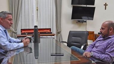 Entre mates. El gobernador y su vice tuvieron un diálogo franco en el despacho principal de Fontana 50.