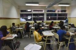 Alumnos de Rawson comienzan el primer día del taller de apoyo escolar. Foto: Daniel Feldman / Jornada
