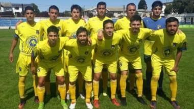 La formación de titulares de Belgrano de Esquel, que perdió ante Puerto Moreno de Bariloche por 2-0.