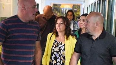 El intendente Sastre junto a miembros de su gabinete visitaronl as escuelas donde las cuadrillas municipales iniciaron los trabajos con vistas al próximo período escolar.