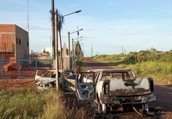 Hallan vehículos incinerados que se habrían utilizado para la fuga.