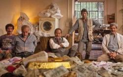 El Robo del Siglo es oficialmente la película argentina no animada que más entradas vendió en su primer día en la historia: 96.420 según Ultracine.