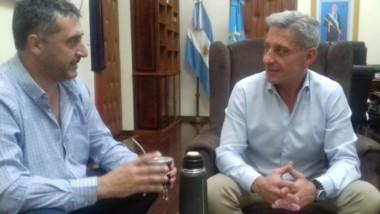 Gustavo Hernández, titular de Chubut Deportes, reunido con el gobernador Mariano Arcioni.