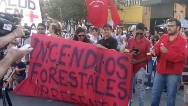 Los trabajadores decidieron continuar con las medidas de fuerza por los incumplimientos del Gobierno.