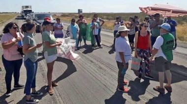 La protesta de los trabajadores volvió a generar largas colas de vehículos sobre la Ruta N° 3.