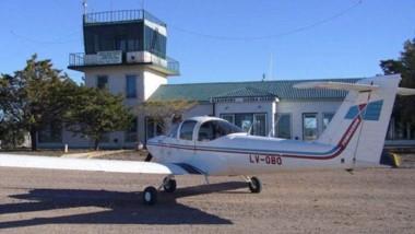 Una imagen del avión durante un vuelo a la localidad de Sierra Grande.
