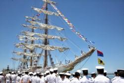 Después de 5 meses de navegación, la Fragata Libertad amarró en Mar del Plata.