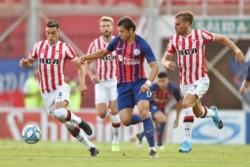Dos cortes de luz en el Nuevo Gasómetro: el pimero a los 34' y el otro en el entretiempo del partido entre San Lorenzo y Estudiantes.