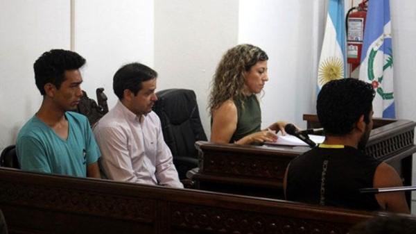 Tras el crimen, los dos hermanos quedaron detenidos y fueron sometidos a una audiencia de formulación de cargos en los tribunales de Zapala.