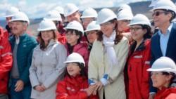 Cristina visitó la construcción de la represa Néstor Kirchner junto a Alicia.