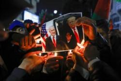 Para los opositores Republicanos, esto es una puesta en escena de un Yrump complicado con el juicio político y las investigaciones por corrupción contra Netanyahu.