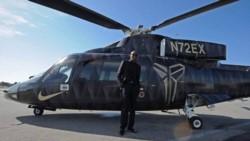 Autoridades dijeron que la velocidad y el impacto del helicóptero hicieron que la aeronave se despedazara en una área grande.
