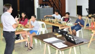 """El club de ajedrez trelewense realizó el campus """"Tácticos y Estrategas""""."""