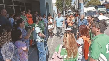 Reclamos. Los empleados del Hospital Zonal están planeando duras medidas de fuerza la otra semana.