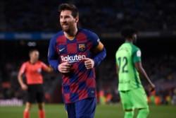 Se convierte en el primer jugador en la historia del Barcelona con 500 triunfos..