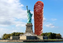 El salame más alto del mundo se propone superar a Estatua de la Libertad de Nueva York.