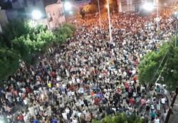 En el marco de reclamo de justicia por la muerte de Gonzalo Glaria en Rafaela hubo una movilización y posterior escrache frente al domicilio de Omar Perotti.