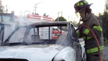 Las intervenciones de los  tres autos incendiados en el barrio Inta y Malvinas Argentinas, el 2 y 3 de enero.