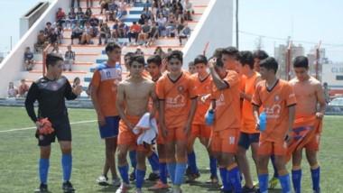 """La categoría 2004  realizará en febrero un viaje a Buenos Aires para jugar ante Lanús. Los jugadores serán evaluados por el """"Granate""""."""