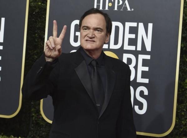 Quentin Tarantino gana Globo de Oro y agradece a su esposa en hebreo.