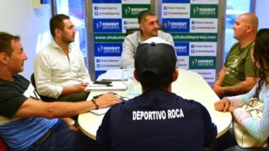 Dirigentes de La Ribera y Deportivo Roca se reunieron con el presidente de Chubut Deportes, Hernández.