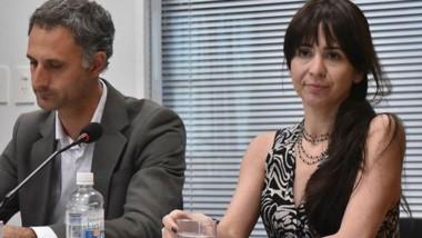 Dúo. El defensor D´Antonio junto con Daniela Souza, que demostró un buen comportamiento en la cárcel.