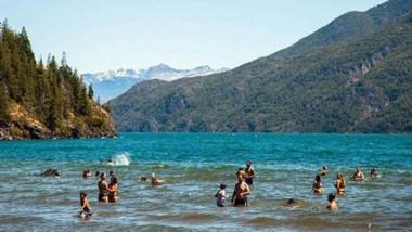 Aguas cálidas. La Playita es el balneario más popular de la comarca.