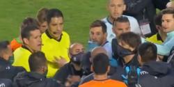 El capitán se peleó con un preparador físico del equipo local que es argentino.